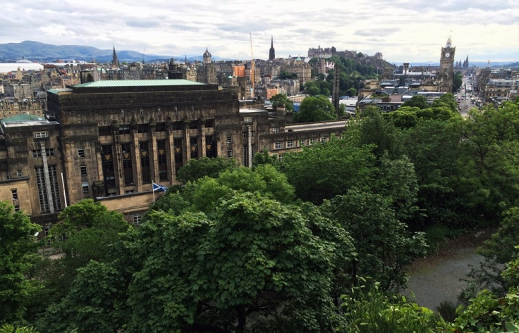 edinburgh_skyline_2017.jpg